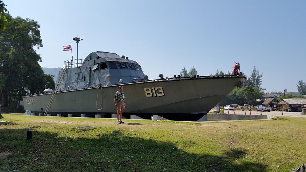 loď 813
